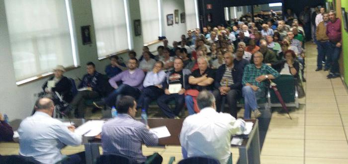 Aspecto de la asamblea celebrada esta mañana en Laviana