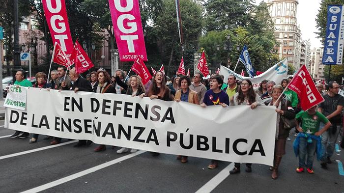 contra-revalidas-manifestacion-oviedo1